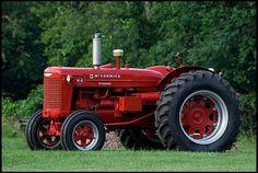 1952 Farmall W9