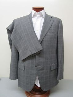 Faconnable Made in Italy Gray Wool Subtle Plaid Three Button Suit 40 R $1095 #Faconnable #ThreeButton