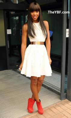 Miss Kelly Rowland...if I had a twin I'd want it to be her!