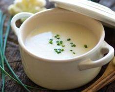 Crème de chou-fleur light au parmesan : http://www.fourchette-et-bikini.fr/recettes/recettes-minceur/creme-de-chou-fleur-light-au-parmesan.html