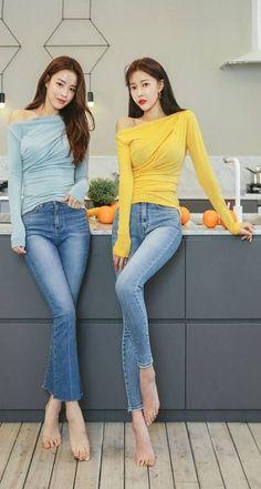 Korean Fashion Trends, Trendy Fashion, Fashion Outfits, Womens Fashion, Trendy Style, Asia Girl, Sexy Jeans, Beautiful Asian Women, Sexy Asian Girls