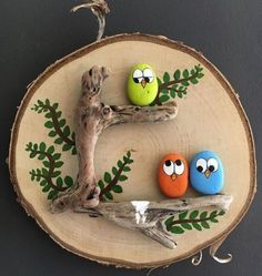 Fabric Crafts & # Vogel Kaka & # Painted rocks, birds on driftwood - JL . Fabric Crafts & # Vogel Kaka & # Painted rocks, birds on driftwood - JL . Pebble Painting, Pebble Art, Stone Painting, Diy Painting, Large Painting, Diy And Crafts, Craft Projects, Crafts For Kids, Arts And Crafts