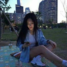 girl, ulzzang, and korean image Ulzzang Korean Girl, Cute Korean Girl, Ulzzang Fashion, Korean Fashion, Hong Young Gi, Moda Ulzzang, Uzzlang Girl, K Idol, Tumblr Girls
