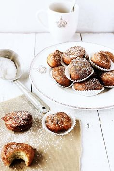 Golden, sweetly Italian Ricotta Lemon Cakes.