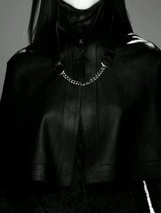 Loves to dress in black. Dark Fashion, High Fashion, Organization Xiii, Mode Sombre, Yennefer Of Vengerberg, The Old Republic, All Black, Alexander Mcqueen, Ideias Fashion