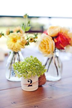 Small table number vases