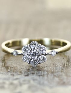 ooh :) This looks almost exactly like my wedding ring! Love!