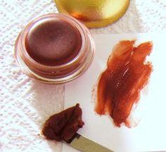 ATELIER COSMETIC 23,recettes cosmétiques naturelles,aromathérapie,boutique cosmétiques bio: BAUME A LEVRES ROUGE BRUN
