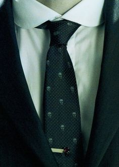 It's only tie, but we still know what character is that. It's beautiful