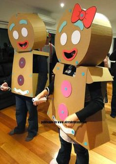 The Gingerbread Man and Woman 24 Awesome Kids' Book-Inspired Halloween Costumes For Grownups Xmas Costumes, Cool Halloween Costumes, Diy Costumes, Halloween Crafts, Halloween Decorations, Halloween Party, Diy Christmas Costumes, Costume Ideas, Robot Costumes