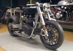 RocketGarage Cafe Racer: WCB Thruxton