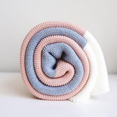 Egyptian organic cotton blankets for babies + toddlers of design-minded families. Knitted Baby Blankets, Cotton Blankets, Healthy Style, Free Clothes, Baby Knitting, Egyptian, Organic Cotton, Toddlers, Kids Outfits