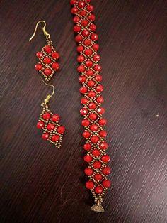 Beaded ornaments - new season bijouterie Seed Bead Bracelets, Seed Bead Jewelry, Bead Jewellery, Diy Jewelry, Jewelery, Jewelry Making, Beaded Bracelet Patterns, Beaded Earrings, Collar Tribal