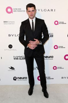 Sean O'Pry Photos - Model Sean O'Pry attends the 24th Annual Elton John AIDS Foundation's Oscar Viewing Party on February 28, 2016 in West Hollywood, California. - Celebrities Attend an Oscar Viewing Party