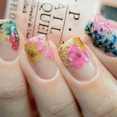 Aprende cómo decorar uñas con flores naturales ~ Belleza y Peinados