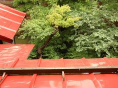 Red roof by tachimayu, via Flickr