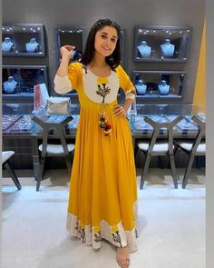 Order #Riyon GOWN₹835 on WhatsApp number +919619659727 or ArtistryC.in Ethnic Crop Top, Indian Dresses For Women, Indian Anarkali, Anarkali Kurti, Pakistani Dresses, Lehenga, Sarees, Ethnic Kurti, Red Kurta