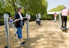 Hyde Park Senior Playground includes six pieces of exercise equipment to help users improve core strength, flexibility and balance. Equipment has been selected to ensure that a high level of accessibility, ease of use and enjoyment can be ensured for all users.