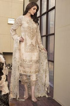 Best 12 Crinkle Luxury Chiffon Collection By Motifs Embroidered 2141 Pakistani Party Wear Dresses, Pakistani Dress Design, Pakistani Outfits, Indian Dresses, Indian Outfits, Shadi Dresses, Pakistani Clothing, Fashion Wear, Fashion Dresses