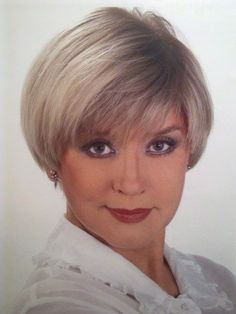 75 Cute Bob Haircuts and Hairstyles Inspired 2019 - Hairstyles Trends Cute Bob Haircuts, Cute Hairstyles For Short Hair, Short Haircut, Curly Bob Hairstyles, Short Hair Styles, Teenage Hairstyles, Short Grey Hair, Short Hair With Layers, Short Hair Cuts For Women