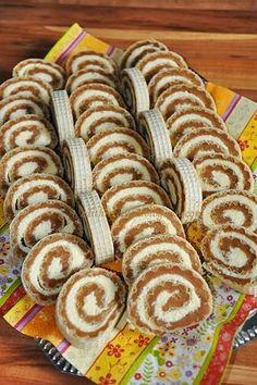 Karamelles-kókuszos ostyatekercs Hungarian Cookies, Hungarian Desserts, Hungarian Recipes, Salty Snacks, Yummy Snacks, Yummy Food, Sweet Desserts, Sweet Recipes, Dessert Recipes