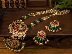 Gold bijou is the ultimate example of sophistication and then we possess a great inventory of blonde ornament designs. Real Gold Jewelry, Gold Jewellery Design, Bead Jewellery, Beaded Jewelry, Diamond Jewellery, Beaded Necklace, Quartz Jewelry, Designer Jewellery, Craft Jewelry
