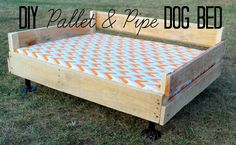 The Charming Farmer - DIY Pallet & Pipe Dog Bed Tutorial...(replace pipe legs with wooden footings)