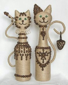 DIY GLASS BOTTLE HOME DECOR Long winter nights have ended. The best way to spend the long winter nights is to sip a nice red wine with classical music. Wine Bottle Art, Diy Bottle, Wine Bottle Crafts, Wine Craft, Jute Crafts, Diy Crafts, Garrafa Diy, Plastic Bottle Crafts, Plastic Bottles