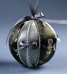 Stash Buster Ornaments -- a great way to use up your scraps and DIY a handmade gift. CraftsnCoffee.com