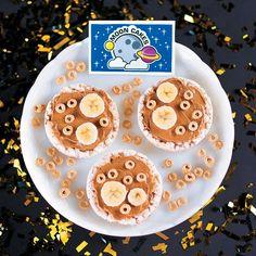 God's+Galaxy+VBS+Healthy+Moon+Cakes+Snack+Recipe+Idea+-+OrientalTrading.com