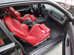 Fantastic BMW e36 interior with redish vader seats