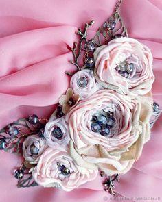 Купить Украшение на шею колье Сладкие ягоды - украшение на шею, красивое колье, украшение с цветами