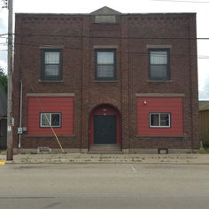 Commercial building w/living quarters on the upper level. Each level is approx 2,496 sq ft! Main level has a lobby, office, half bath, and stage. Upper level includes a living room, kitchen, dining room, 3 bedrooms, and full bath. Hardwood floors throughout. 14 E. 12th St., Clintonville, WI http://www.orealty.com/property/50147663