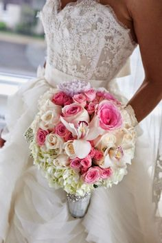 Best Wedding Bouquets of 2014 ~  Sophimage Photographie, Floral Design:  Luluthia | bellethemagazine.com