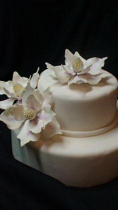 Sugar Gumpaste Southern Magnolia Flower por LynnesSugarCreations