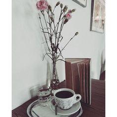 Alternativni káva v alternativni kavárně ❤☕ #kavarnaalternativa #alternativecoffee #alternative #opava #kavarna #coffee #flowers #book #literature #fiction #beletrie #fictionworld #coffeetime #tyl