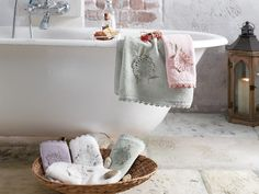 Spring 2'li Havlu Seti Bath Mat, Crochet, Towels, Crafts, Home Decor, Needlepoint, Manualidades, Decoration Home, Room Decor