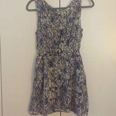 Flowy Dress With Pockets!!