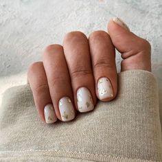 Manicure Nail Designs, Nail Manicure, Nails Design, Gel Manicures, Manicure Ideas, Minimalist Nails, Nails Ideias, Subtle Nail Art, Neutral Nail Art