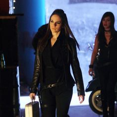 Anna Silk, Bo | Lost Girl | This is one of my favorite scenes from this episode (Into the Dark)