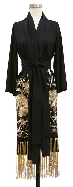 We are seriously lusting for this flapper robe from Trashy Diva! That embroidery! That hand-knotted fringe! A gorgeous modern interpretation of 1920s style.