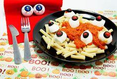 """""""Mini Tortiglioni Piccolini con occhi spaventosi"""", una ricetta perfetta per stupire i bambini ad Halloween! Scaricatela qui: http://www.piccolini.it/piccolini-time/#avventura/halloween/"""