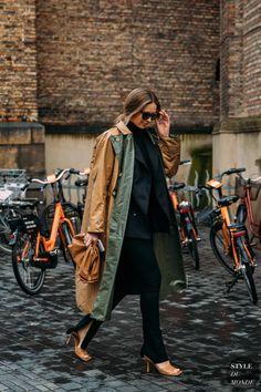 Copenhagen Fall 2020 Street Style - STYLE DU MONDE | Street Style Street Fashion Photos Trench coat Street Look, Street Chic, Stylish Street Style, Autumn Street Style, Cool Street Fashion, London Fashion, Danish Street Style, Danish Style, Street Style Looks
