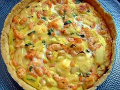 Very easy to do! - Learn how to make a delicious shrimp quiche, an ideal snack for snacks or even for light meals. Shrimp Quiche, Quiche Recipes, Calzone, Vegan Breakfast Recipes, Hawaiian Pizza, Light Recipes, Cheeseburger Chowder, Macaroni And Cheese, Cooking Recipes