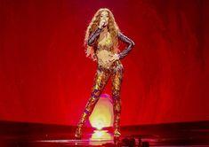 Πώς νομίζεις ότι τα καταφέρνει στη σκηνή της Eurovision;! Αυτό είναι το ύψος και τα κιλά της Ελένης Φουρέιρα