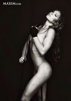 Ronda #Rousey - one of the most dangerous female MMA fighters. Her cognoscible techinique is armbar