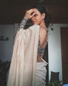 Blouse Back Neck Designs, Sari Blouse Designs, Bridal Blouse Designs, Saree Wearing Styles, Saree Styles, Stylish Blouse Design, Saree Trends, Saree Models, Stylish Sarees