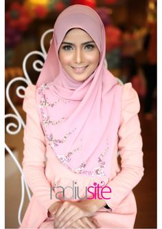 Beautiful hijab :)
