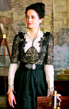 I'm digging Penny Dreadful, my new binge watching obsession.  the show takes place in the 1890s, and Eva Green's Vanessa Ives has some fantastic costumes in dark, rich colors and fabrics, with subtle changes between day and evening shades.