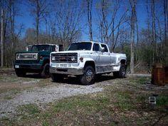 Crew-cab Dually Conversion via Single Axle Farm Truck. C10 Chevy Truck, Chevy Pickups, Chevrolet Trucks, Farm Trucks, Cool Trucks, Chevy Pickup Trucks, Chevy Trucks, Single Cab Trucks, Medium Duty Trucks